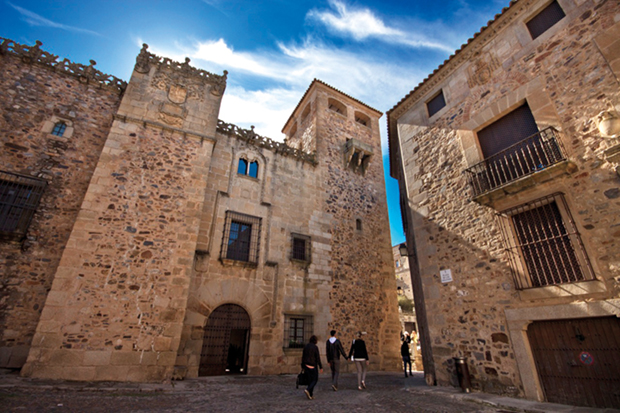 caceres-1